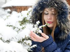 Free Snow Girl Stock Images - 16687604