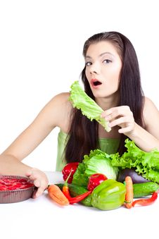 Free Young Girl With  Vegetables Stock Photography - 16688972