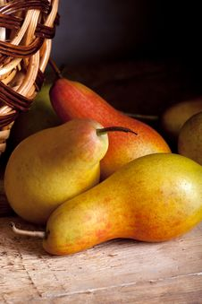 Free Pears Royalty Free Stock Photography - 16690467