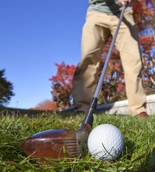 Free Fairway Wood Shot With Old Club Royalty Free Stock Images - 16692449