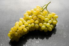 Free Bunch Of Fresh Grapes Stock Images - 16693274