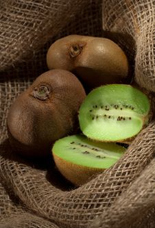 Free Kiwi Fruit Royalty Free Stock Photography - 16693527