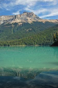 Free Emerald_lake_reflections2 Royalty Free Stock Photos - 16693998