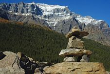 Free Lake_moraine_inukshuk Royalty Free Stock Photos - 16694158