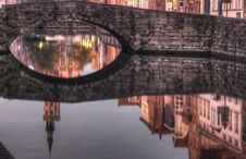 Free Canal In Bruges Royalty Free Stock Photos - 16698128
