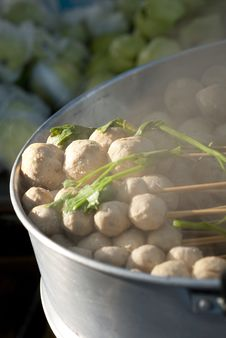 Free Steam Pork Balls Royalty Free Stock Photography - 16698997