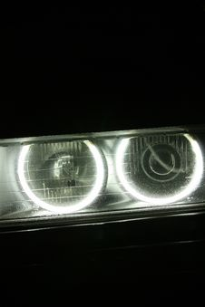 Free Car Headlights Royalty Free Stock Photo - 16699935