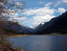 Free Lake Royalty Free Stock Image - 1670846
