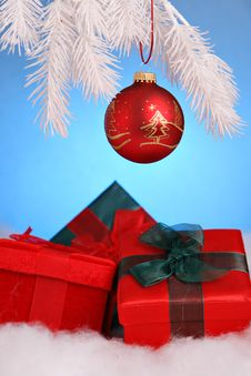 Free Christmas Gift Royalty Free Stock Photos - 1671668