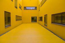 Free Hospital Yellow Royalty Free Stock Photography - 1671857