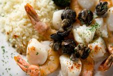 Free Steak, Shrimps And Rice Royalty Free Stock Photography - 1675127