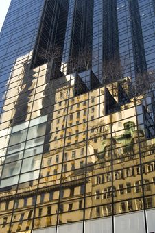 Free Trump Tower Building Reflection Royalty Free Stock Images - 1676649
