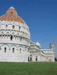 Free Baptistery And Leaning Tower Of Pisa Stock Image - 1679291