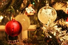 Free Christmas Bauble Royalty Free Stock Image - 1679636
