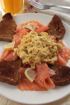 Scrambled Eggs & Smoked Salmon Breakfast Royalty Free Stock Photography