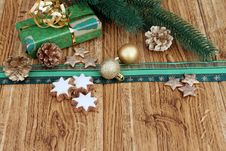 Free Christmas Gift Stock Images - 16706094