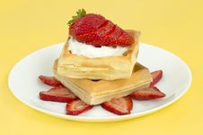 Free Belgian Strawberry Waffles Royalty Free Stock Image - 16706806