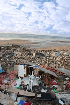Free Rubbish Dumped On Beach Stock Photos - 16707263
