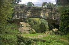Free Stone Bridge Royalty Free Stock Image - 16709076