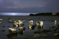 Free Sea Shore At Night Royalty Free Stock Images - 16710769