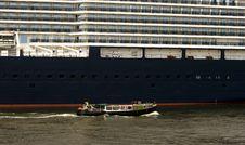Free Hamburg Harbor Ship Royalty Free Stock Photography - 16720487
