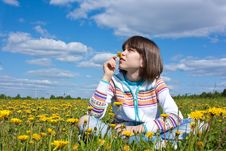 Free Little Girl On The Field Stock Images - 16721294