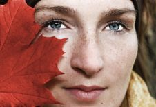 Free Woman Behind The Leaf Stock Photos - 16723823