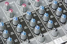 Free Mixing Board Knobs Royalty Free Stock Image - 16724266