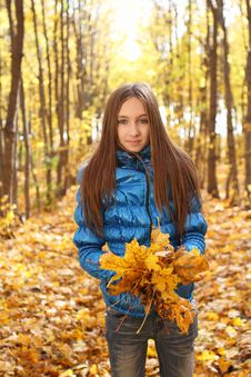 Free Young Teenager Girl In The Autumn Forest Stock Images - 16724344