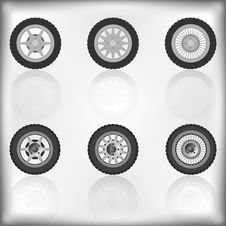 Free Wheel Collection With Reflection Royalty Free Stock Photos - 16725488
