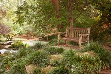 Free OLD BENCH IN A PARK Royalty Free Stock Image - 16725626