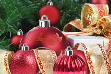 Free Red Christmas Decorations And Tree Royalty Free Stock Photography - 16727167