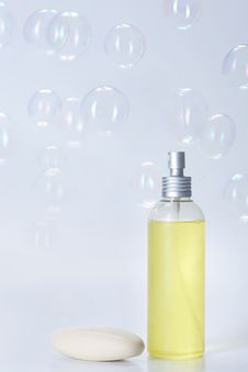 Free Soap With Bubbles Royalty Free Stock Photos - 16727238
