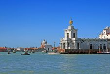 Free Venice Harbour Royalty Free Stock Images - 16731619
