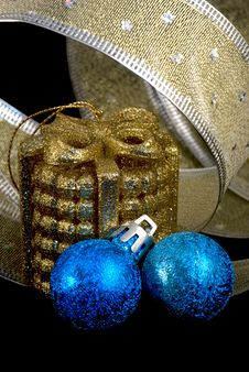 Free Golden And Blue  Christmas Balls And  Ribbon Stock Images - 16733234