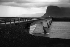 Free Bridge Over Glacier River Royalty Free Stock Image - 16736816