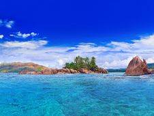 Free Tropical Island At Seychelles Royalty Free Stock Photography - 16738407