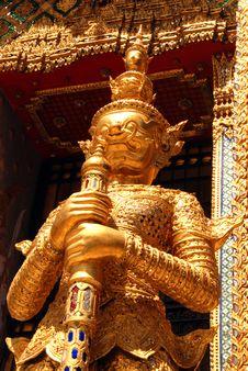Free Golden Guardian At Wat Pra Kaew Royalty Free Stock Images - 16738749