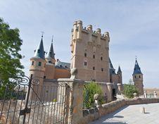 Free Alcazar Fortress Of The Segovia City Royalty Free Stock Photography - 16739217