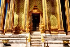 Pole Main Entrance Grand Hall At Wat Pra Kaew Royalty Free Stock Photography