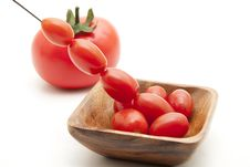 Free Cherry Tomatoes Royalty Free Stock Image - 16740536