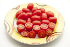 Free Cherry Tomatoes On Plate Stock Photography - 16740582