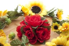 Roses With Sunflowers Royalty Free Stock Photo