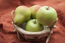 Free Fruit Basket Royalty Free Stock Photography - 16741827