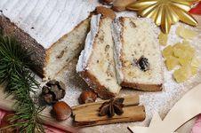 Free Christmas Cake Royalty Free Stock Photo - 16745955