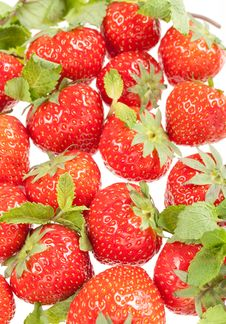 Free Strawberry With Green Leaf Stock Image - 16761011