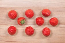Free Strawberry With Green Leaf Stock Photos - 16761093