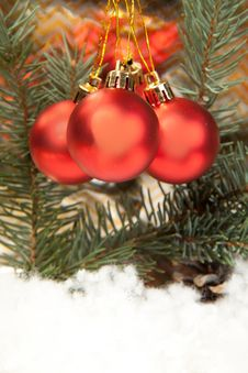 Free Red Christmas Balls Royalty Free Stock Photo - 16761475