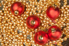 Free Red Christmas Balls Royalty Free Stock Image - 16761476