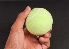 Free Tennis Ball Royalty Free Stock Image - 16765716